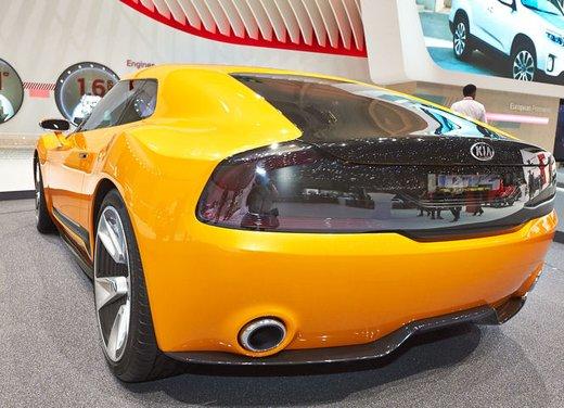 Kia GT4 Stinger - Foto 9 di 13