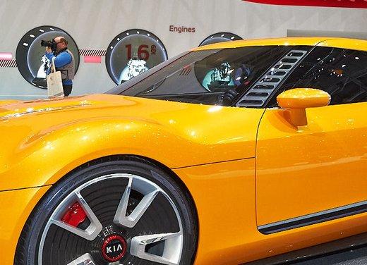 Kia GT4 Stinger - Foto 11 di 13