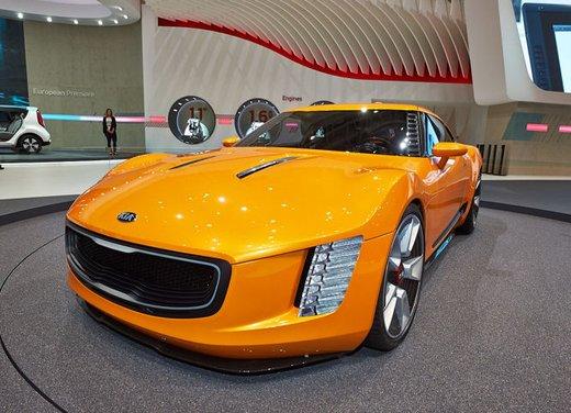 Kia GT4 Stinger - Foto 12 di 13