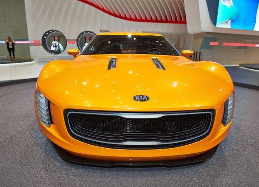 Kia GT4 Stinger - Foto 13 di 13