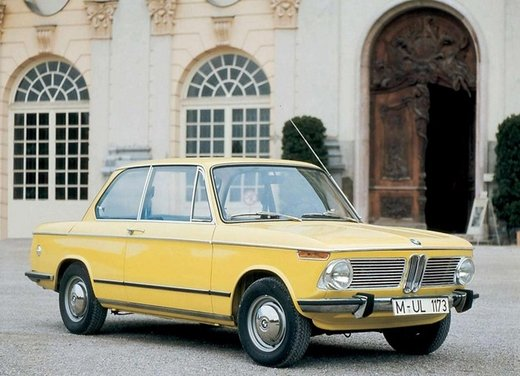 BMW Serie 02, la storia della berlina della Casa bavarese - Foto 8 di 15