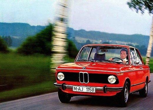 BMW Serie 02, la storia della berlina della Casa bavarese - Foto 15 di 15