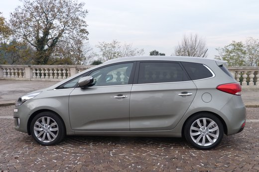 Kia Carens long test drive - Foto 10 di 22