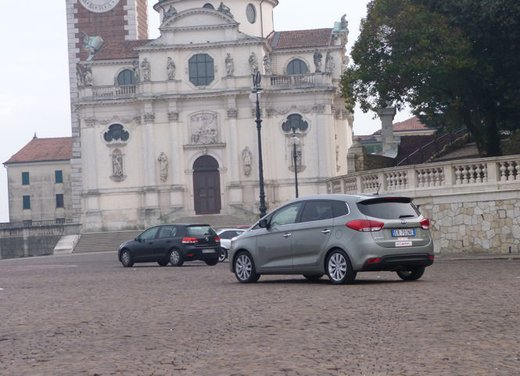 Kia Carens long test drive - Foto 16 di 22