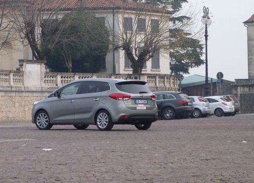 Kia Carens long test drive - Foto 17 di 22