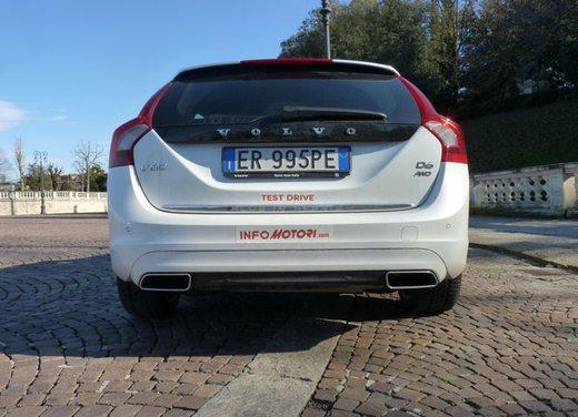 Volvo V60 Hybrid test drive, foto ed informazioni - Foto 13 di 17