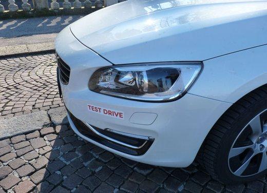 Volvo V60 Hybrid test drive, foto ed informazioni - Foto 5 di 17