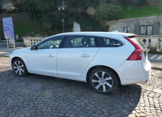 Volvo V60 Hybrid test drive, foto ed informazioni - Foto 8 di 17