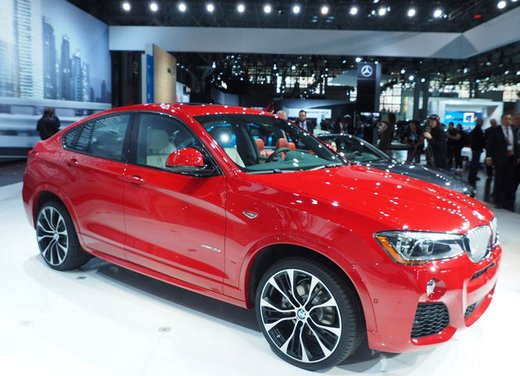 BMW X4 debutta al Salone di New York 2014 - Foto 1 di 7