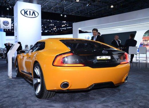 Kia GT4 Stinger - Foto 1 di 13