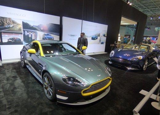 Una panoramica degli stand del Salone dell'auto di New York 2014 - Foto 15 di 16