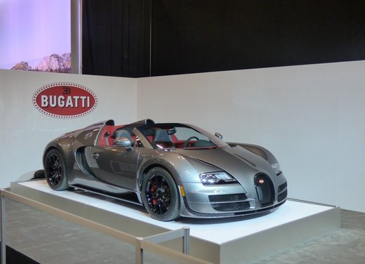 Una panoramica degli stand del Salone dell'auto di New York 2014 - Foto 2 di 16