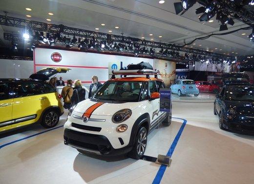Una panoramica degli stand del Salone dell'auto di New York 2014 - Foto 6 di 16