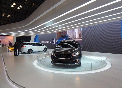 Una panoramica degli stand del Salone dell'auto di New York 2014 - Foto 7 di 16