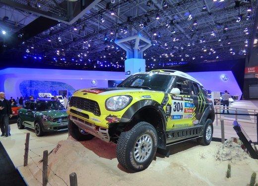 Una panoramica degli stand del Salone dell'auto di New York 2014 - Foto 9 di 16