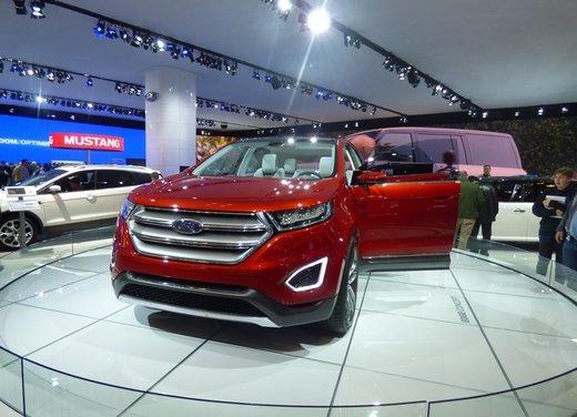 Una panoramica degli stand del Salone dell'auto di New York 2014 - Foto 10 di 16