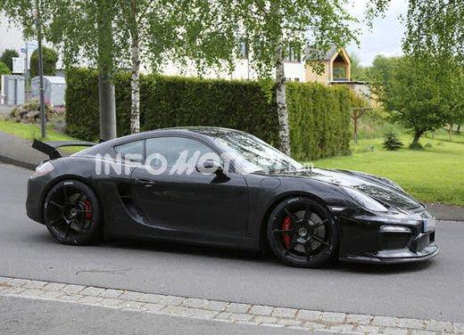 Porsche Cayman GT4 foto spia
