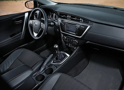 Toyota Auris - Foto 5 di 8