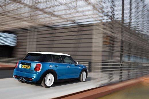 Nuova Mini 5 porte prestazioni e consumi della gamma motori - Foto 13 di 45