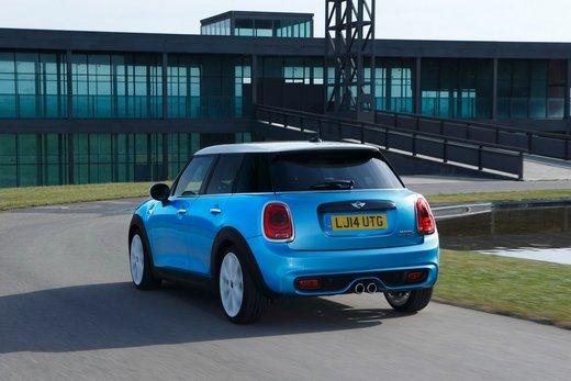 Nuova Mini 5 porte prestazioni e consumi della gamma motori - Foto 4 di 45
