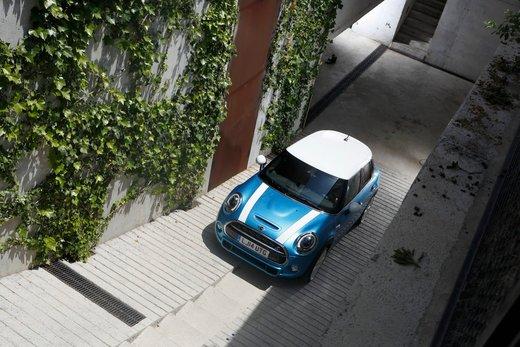 Nuova Mini 5 porte prestazioni e consumi della gamma motori - Foto 41 di 45
