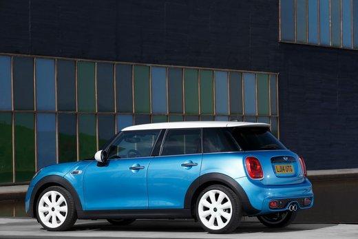 Nuova Mini 5 porte prestazioni e consumi della gamma motori - Foto 9 di 45