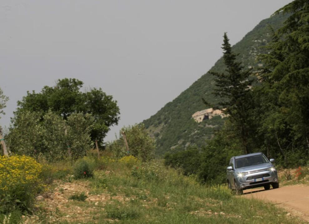 Mitsubishi Outlander Plug In prova su strada - Foto 21 di 21