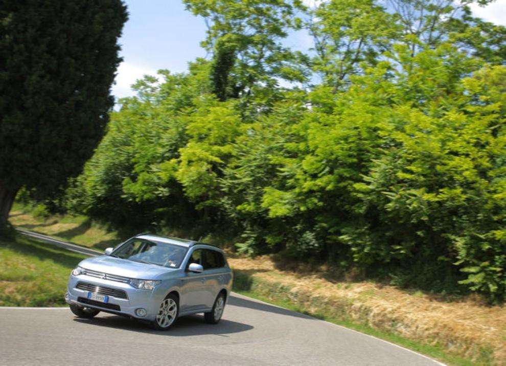 Mitsubishi Outlander Plug In prova su strada - Foto 4 di 21