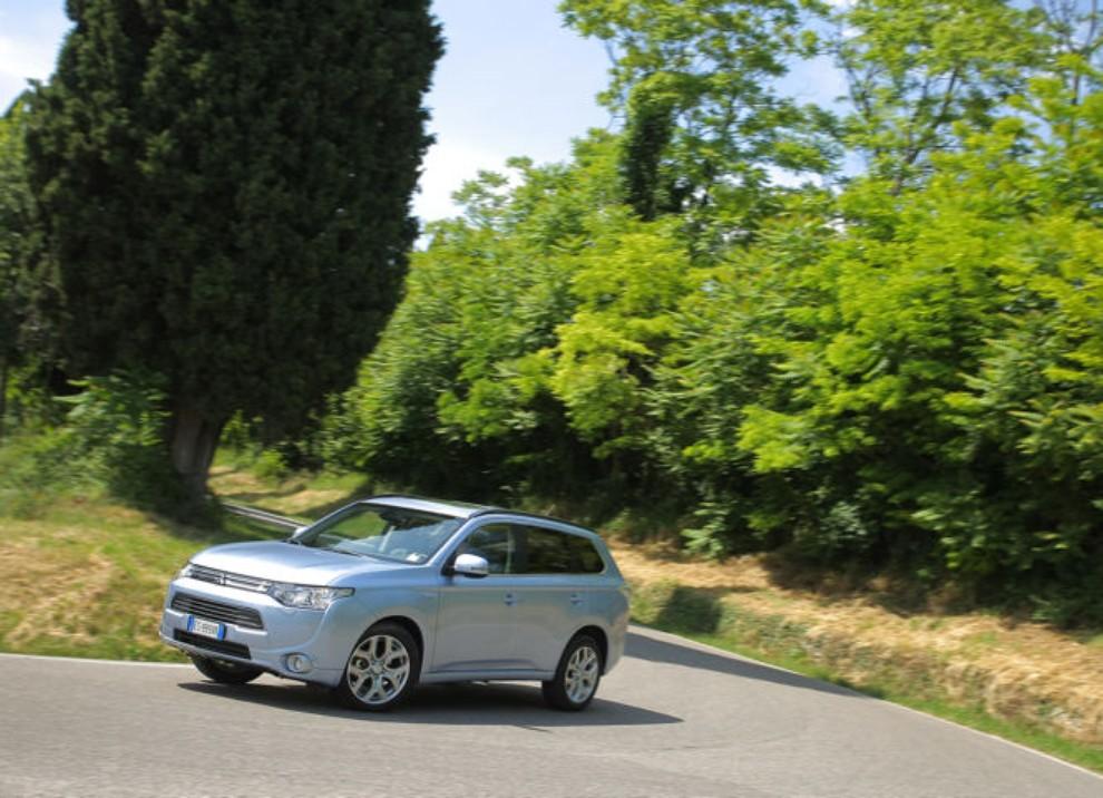 Mitsubishi Outlander Plug In prova su strada - Foto 5 di 21