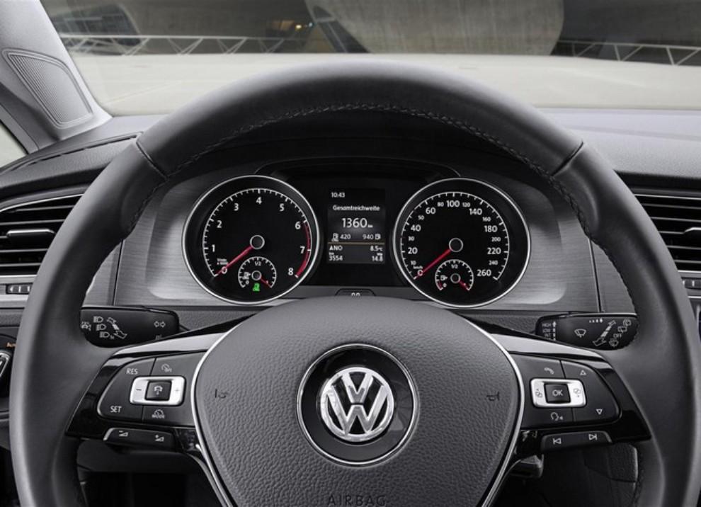 Volkswagen Golf a metano prestazioni e consumi - Foto 11 di 15
