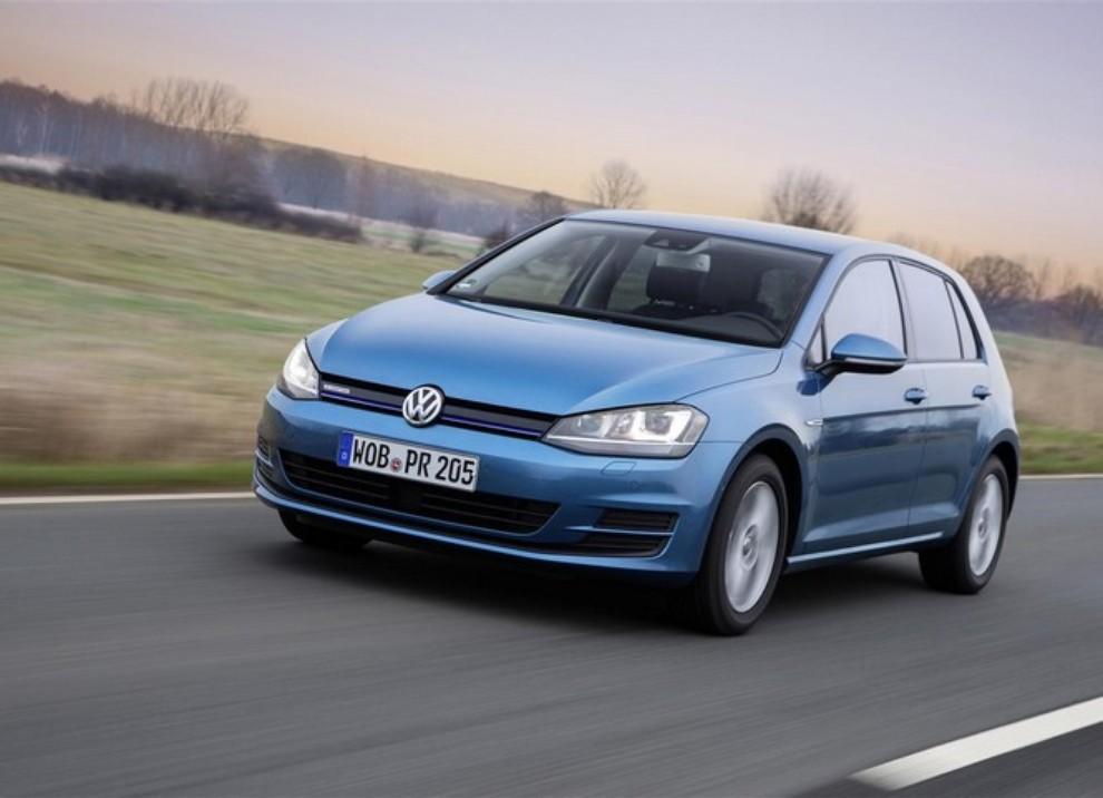 Volkswagen Golf a metano prestazioni e consumi - Foto 1 di 15