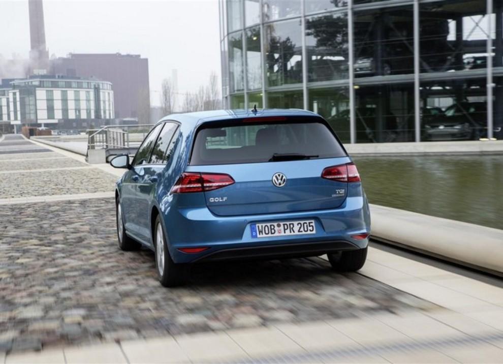 Volkswagen Golf a metano prestazioni e consumi - Foto 7 di 15