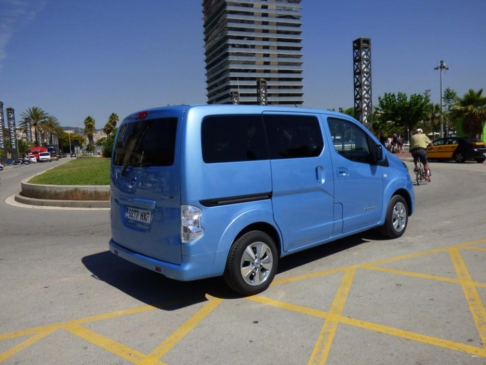 Nissan e-NV200 Evalia provato su strada a Barcellona il multispazio elettrico giapponese - Foto 7 di 40