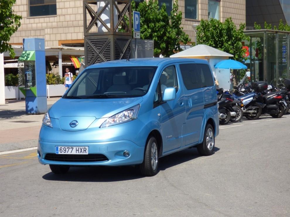 Nissan e-NV200 Evalia provato su strada a Barcellona il multispazio elettrico giapponese - Foto 8 di 40