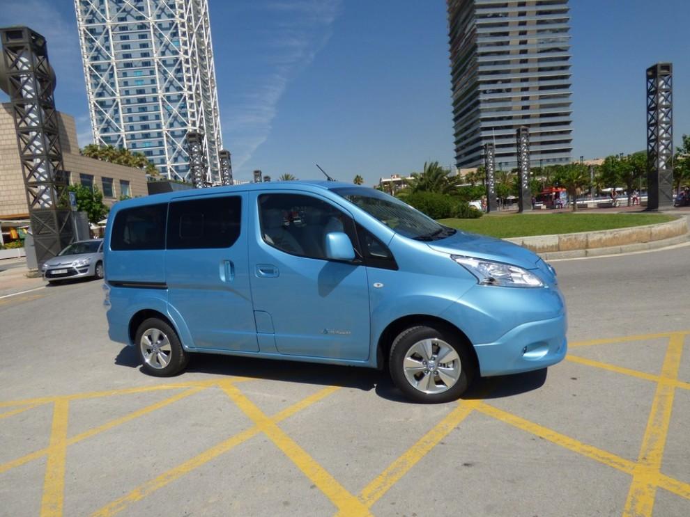 Nissan e-NV200 Evalia provato su strada a Barcellona il multispazio elettrico giapponese - Foto 9 di 40