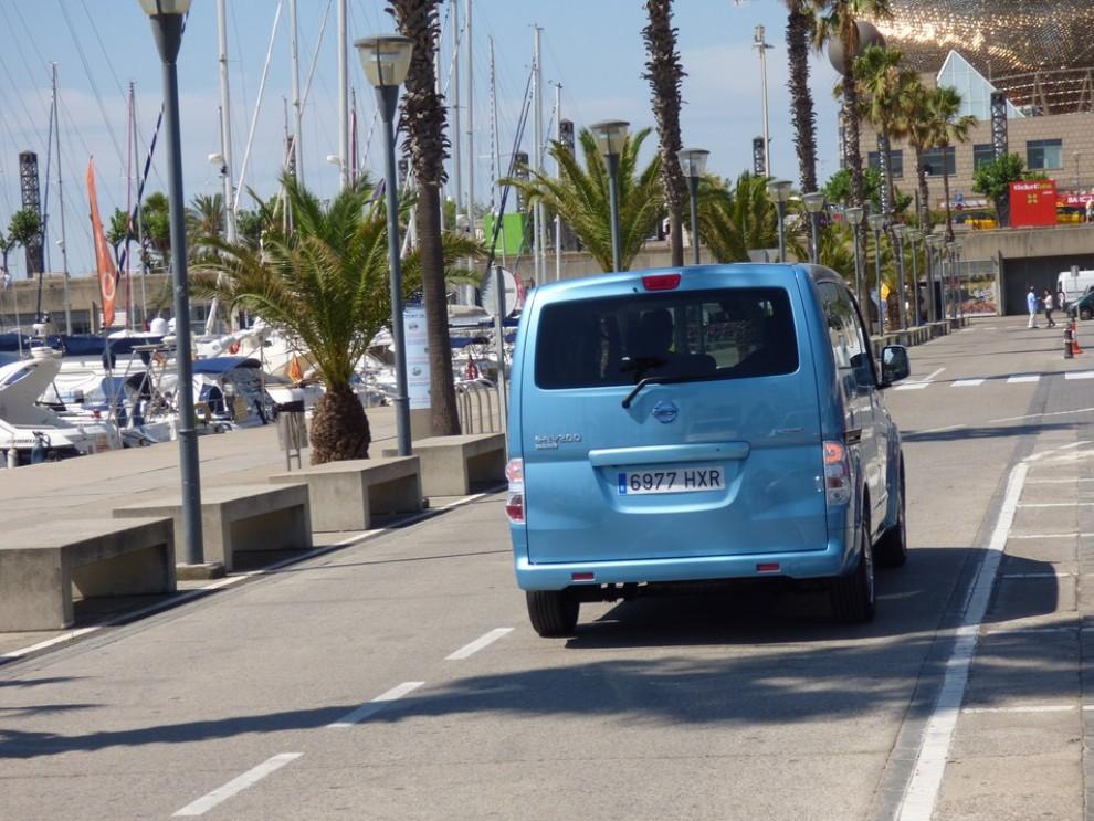 Nissan e-NV200 Evalia provato su strada a Barcellona il multispazio elettrico giapponese - Foto 12 di 40