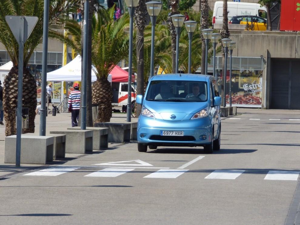 Nissan e-NV200 Evalia provato su strada a Barcellona il multispazio elettrico giapponese - Foto 13 di 40