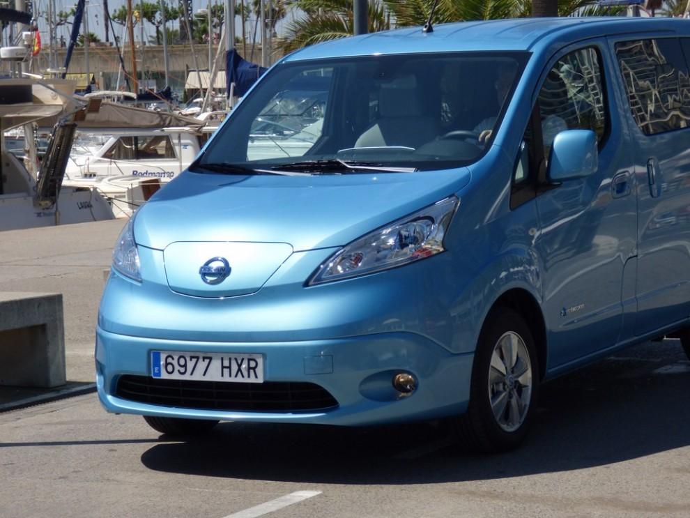 Nissan e-NV200 Evalia provato su strada a Barcellona il multispazio elettrico giapponese - Foto 14 di 40