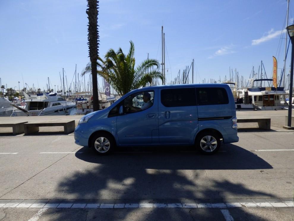 Nissan e-NV200 Evalia provato su strada a Barcellona il multispazio elettrico giapponese - Foto 17 di 40