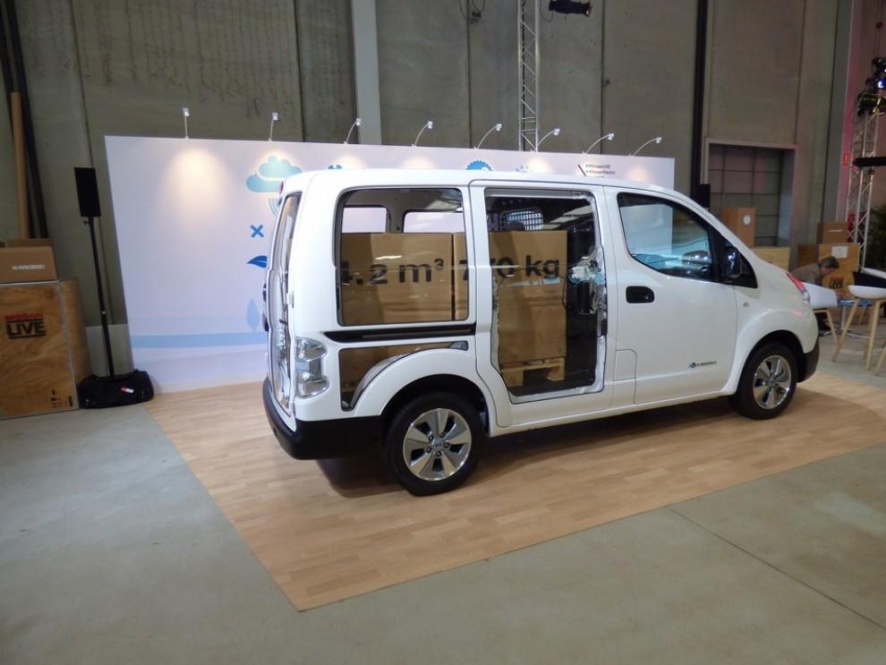 Nissan e-NV200 Evalia provato su strada a Barcellona il multispazio elettrico giapponese - Foto 28 di 40
