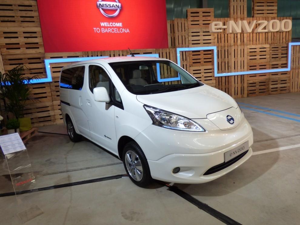 Nissan e-NV200 Evalia provato su strada a Barcellona il multispazio elettrico giapponese - Foto 29 di 40