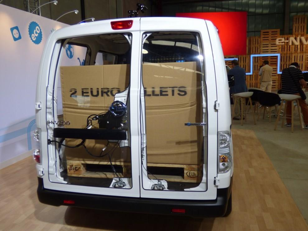 Nissan e-NV200 Evalia provato su strada a Barcellona il multispazio elettrico giapponese - Foto 31 di 40