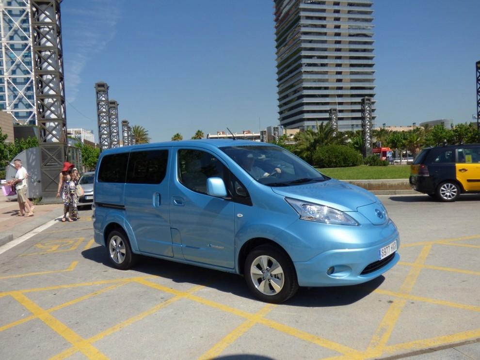 Nissan e-NV200 Evalia provato su strada a Barcellona il multispazio elettrico giapponese - Foto 4 di 40