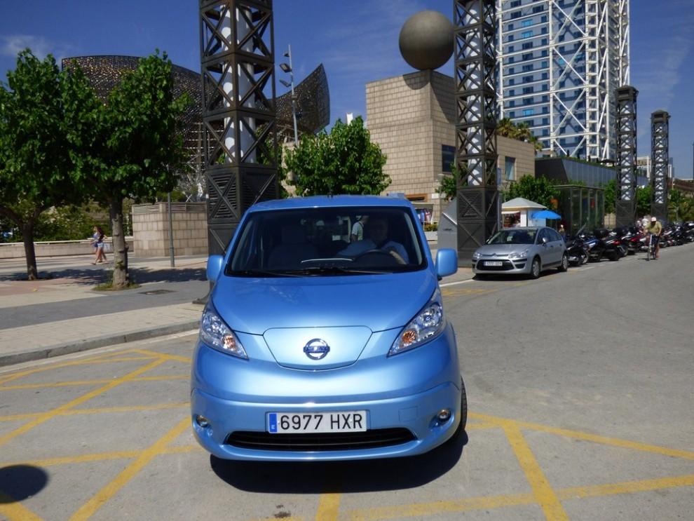 Nissan e-NV200 Evalia provato su strada a Barcellona il multispazio elettrico giapponese - Foto 5 di 40