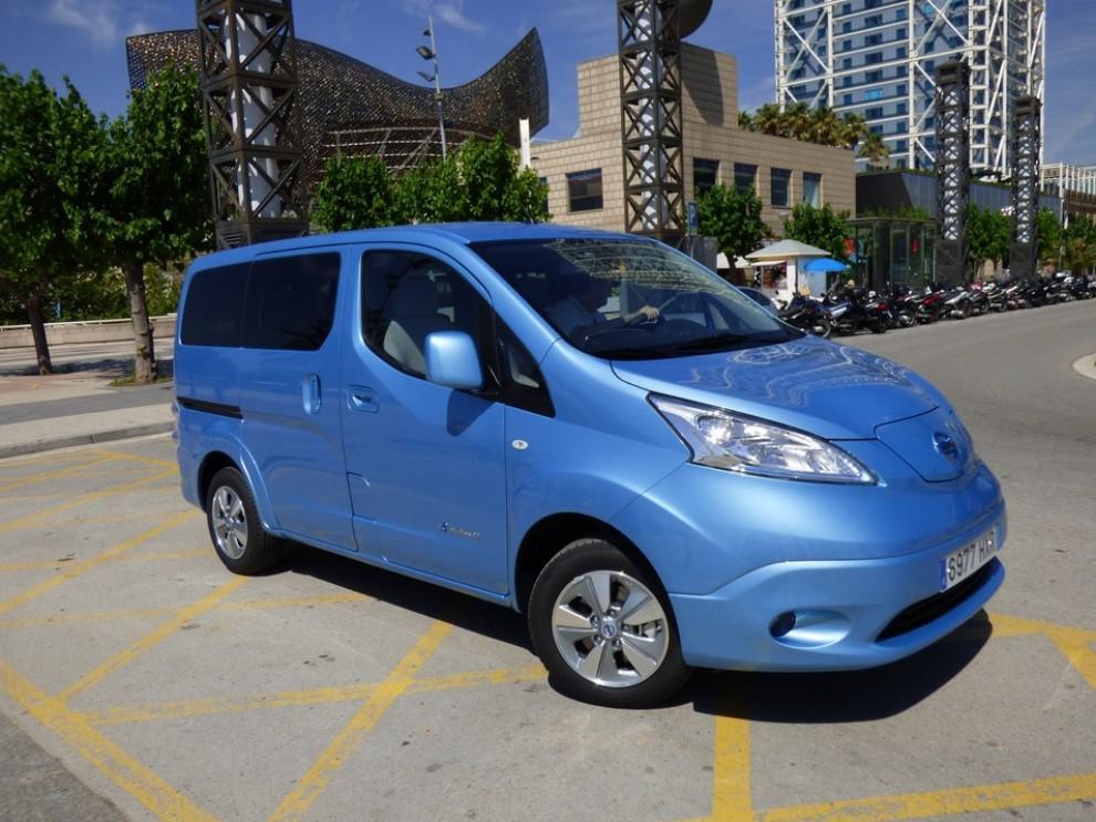 Nissan e-NV200 Evalia provato su strada a Barcellona il multispazio elettrico giapponese - Foto 6 di 40