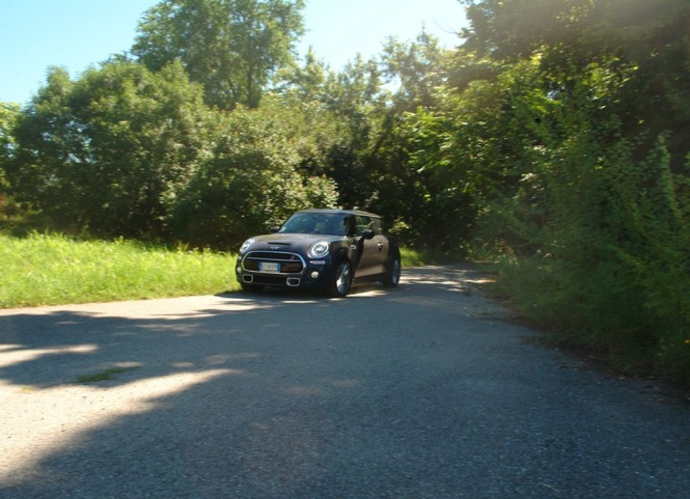 Nuova Mini Cooper S prova su strada, prestazioni e prezzi - Foto 5 di 32