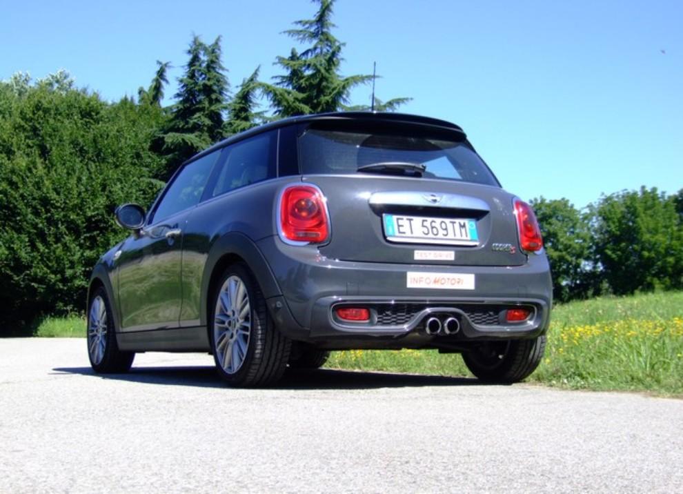 Nuova Mini Cooper S prova su strada, prestazioni e prezzi - Foto 21 di 32