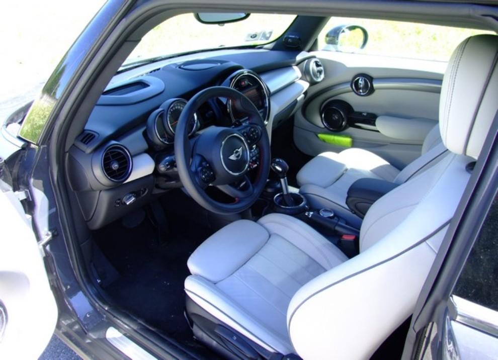 Nuova Mini Cooper S prova su strada, prestazioni e prezzi - Foto 23 di 32