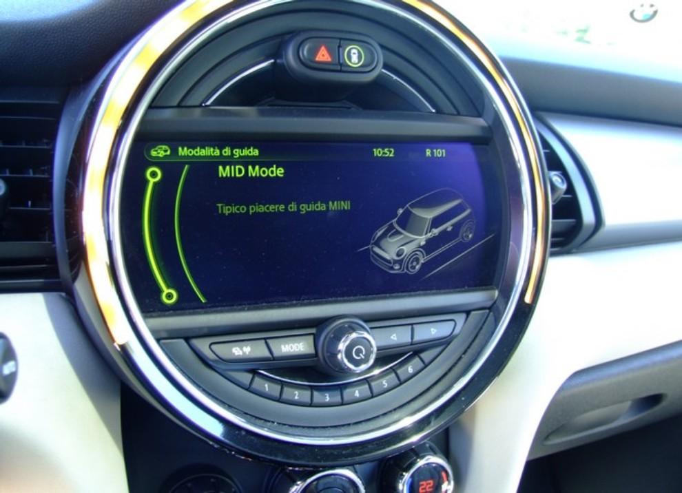 Nuova Mini Cooper S prova su strada, prestazioni e prezzi - Foto 26 di 32