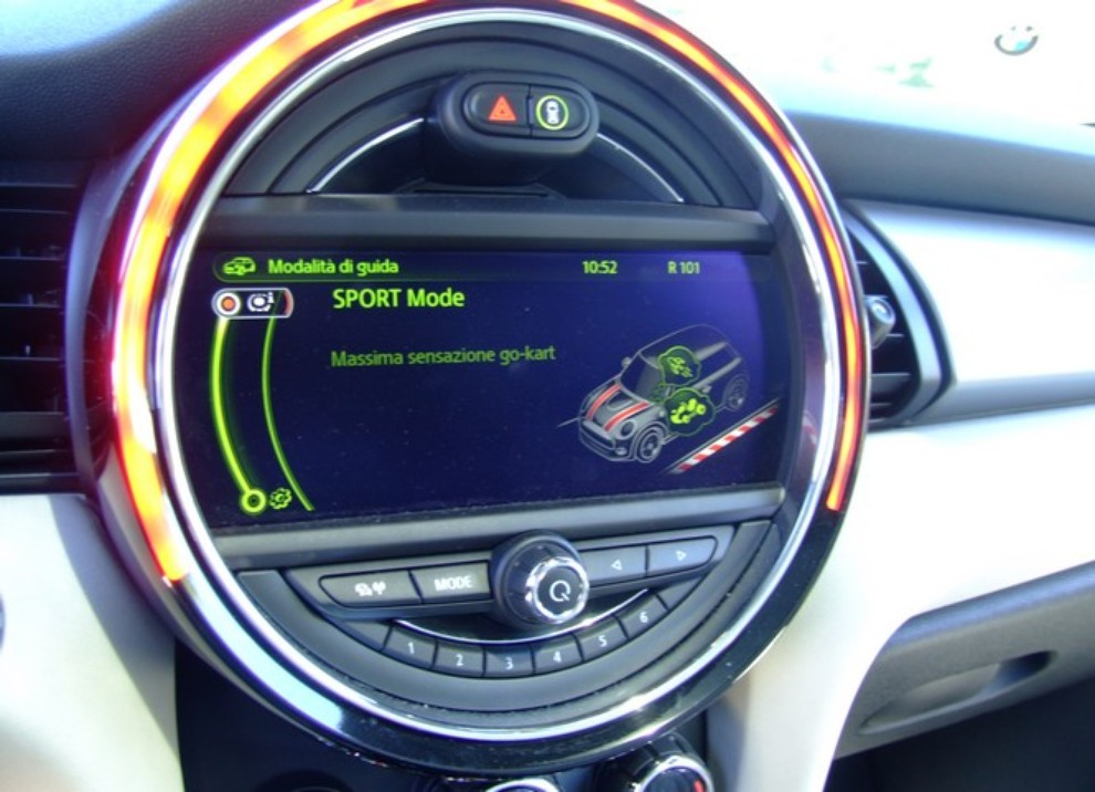 Nuova Mini Cooper S prova su strada, prestazioni e prezzi - Foto 27 di 32